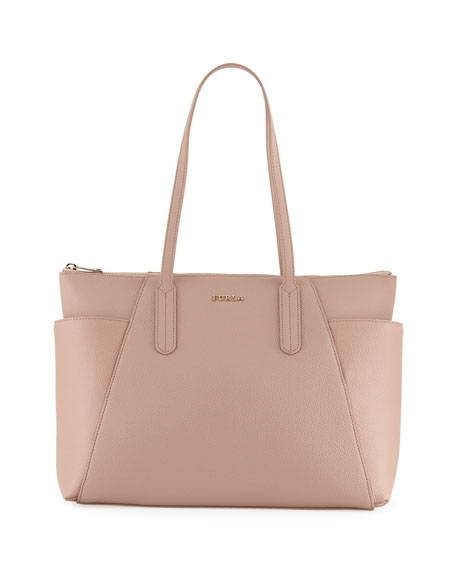 most versatile colored handbag