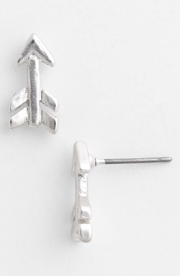 silver-arrow-studs