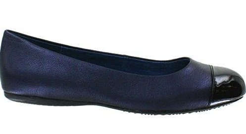 stylish-navy-flat