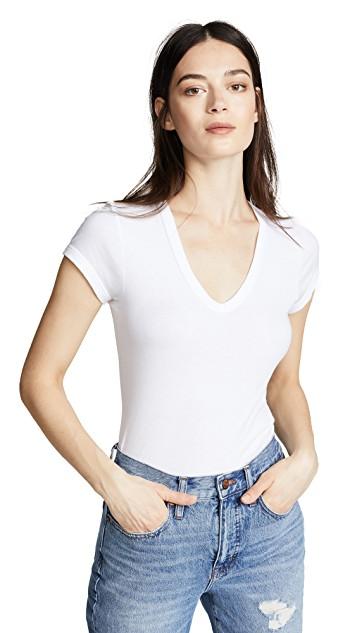 Flattering Shirts For Broad Shoulders - V-Style