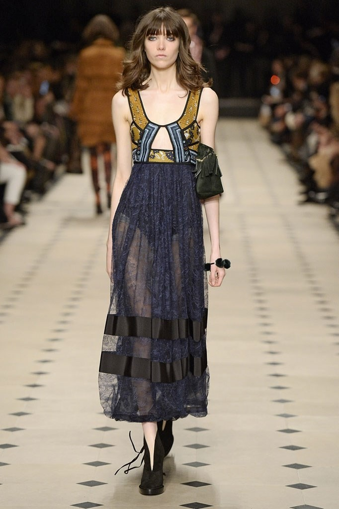 burberry prorsum fall 2015 1970s fashion is back vstyle