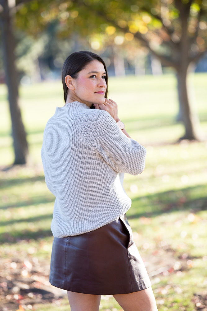 how to tuck a sweater into a skirt