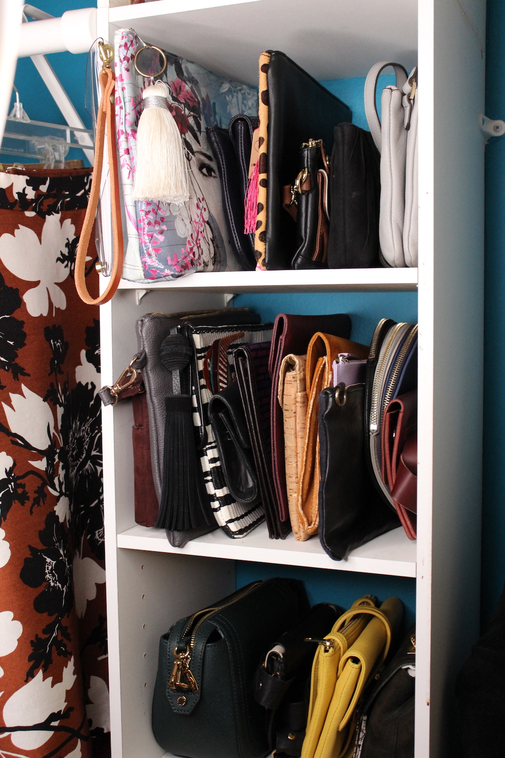 how to organize purses